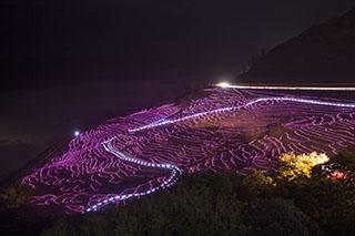 石川県輪島市・白米千枚田、能登半島、太陽光発電LED、約2万個であぜ道を彩るイベント「あぜのきらめき」、ギネス世界記録に認定、遊歩道