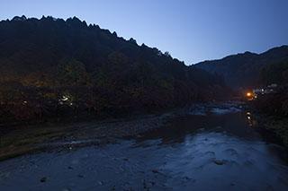 愛知県豊田市、香嵐渓、2012年、紅葉、夜明け前