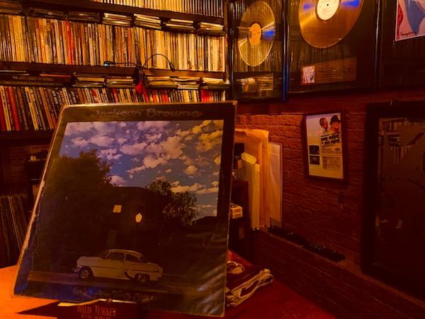 Bar Derek & Dominos