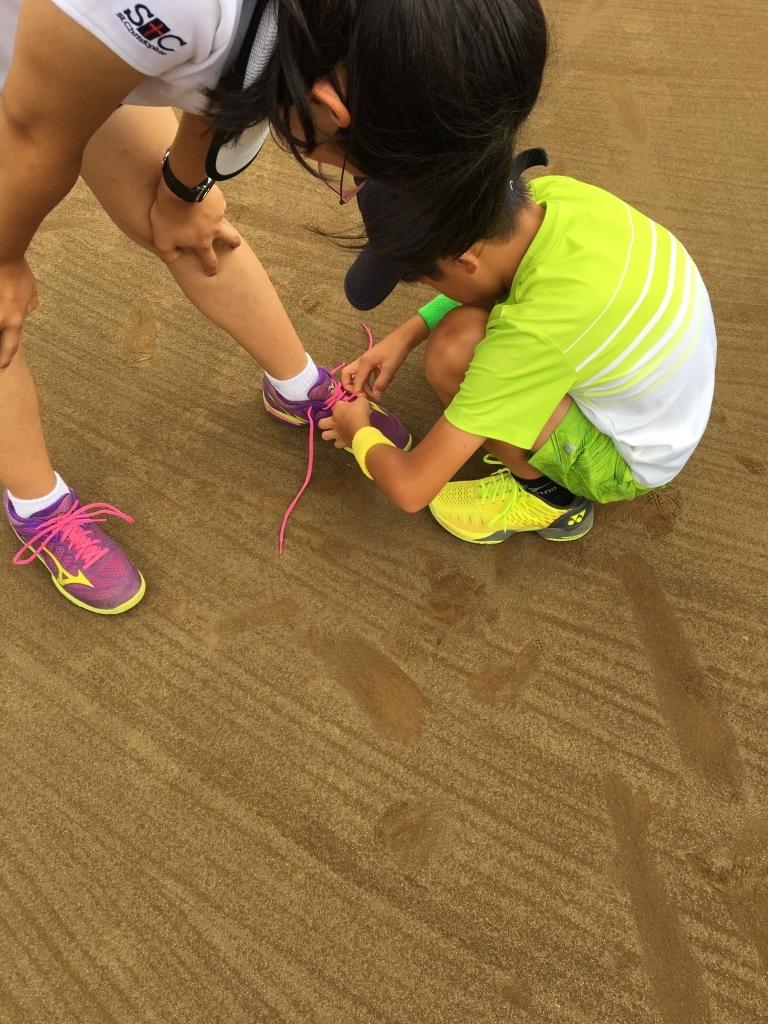 靴の紐はしっかり結ぼう!