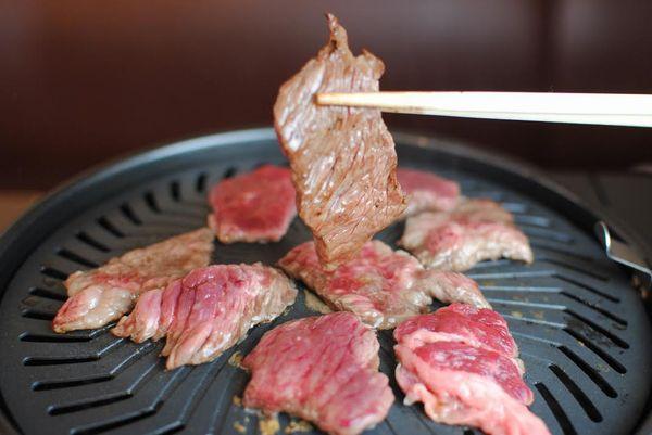 個室あり大阪寝屋川市京阪本線香里園駅周辺人気の質の良い焼き肉しゃぶしゃぶカニ食べ放題。家族連れや友達同士にオススメ