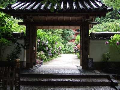 岩船寺入り口