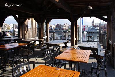 桟橋のカフェ