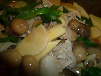 豚バラ肉と筍とふくろ茸炒め
