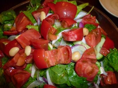 フルーツトマトと豆サラダ
