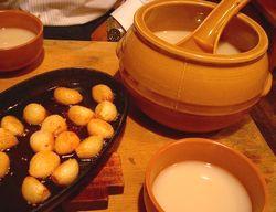 ニンニク焼とマッコリ壷