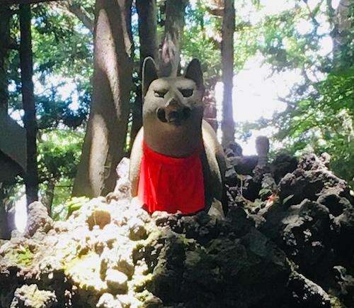 豊川稲荷霊狐塚