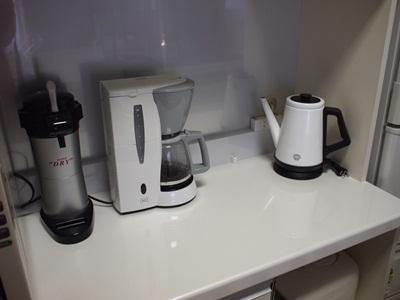 白いコーヒーメーカー