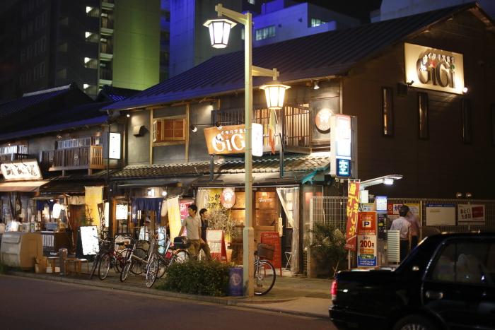 名古屋駅近く(桜通側)