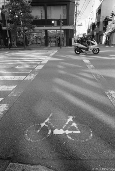 松原通りと烏丸通りの交差点前