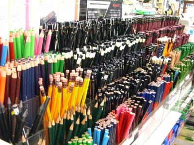 鉛筆売り場