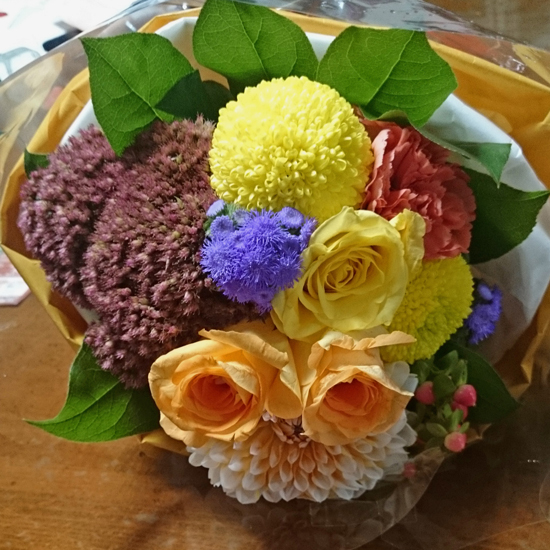 早秋にぴったりの花束