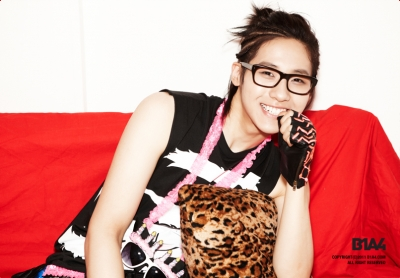 2nd MINI ALBUM Teaser写真 シヌ と BARODAY画像  B1A4
