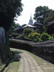 027寺院と教会のみえる風景
