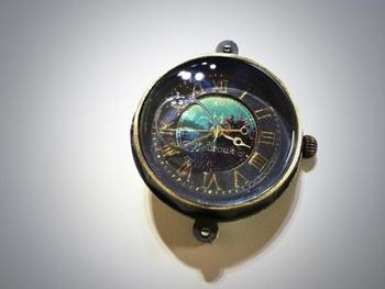 液体入り 腕時計