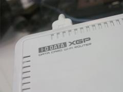 XGPWiFiルーターのアップ、それっぽいロゴがあしらわれている。