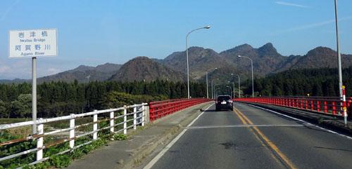 阿賀野川岩津橋
