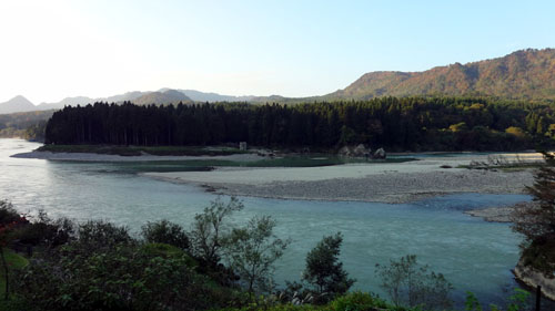古澤屋から阿賀野川