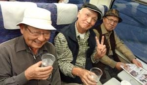 旅の終わりに新幹線車内