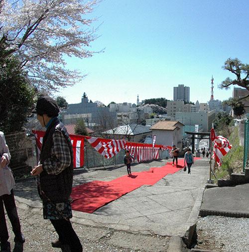 神社参道相撲大会