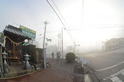 濃霧の不動尊
