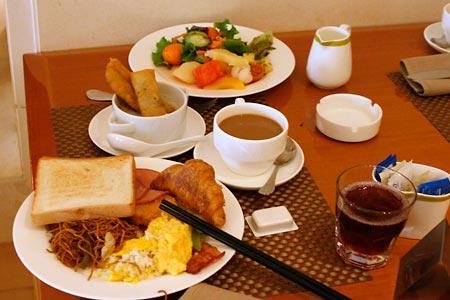 満載の朝食