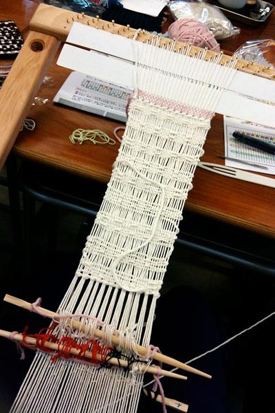 織ってます