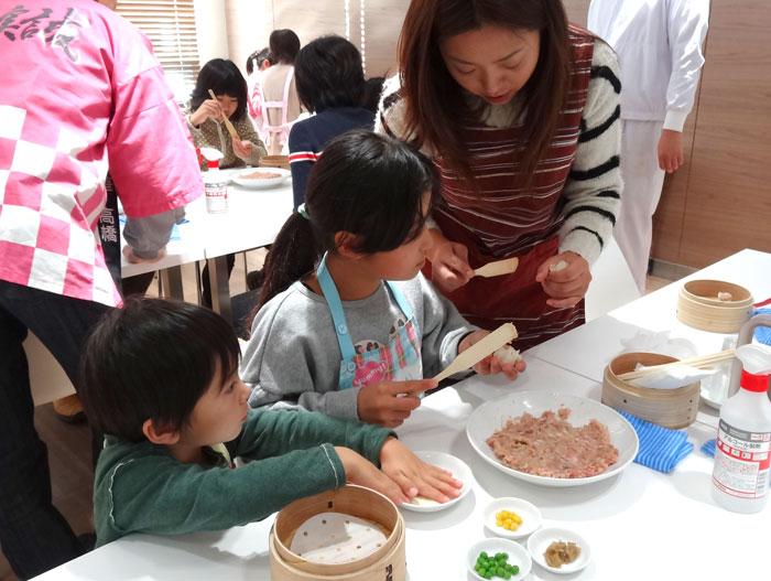 親子料理教室 桃まんじゅう