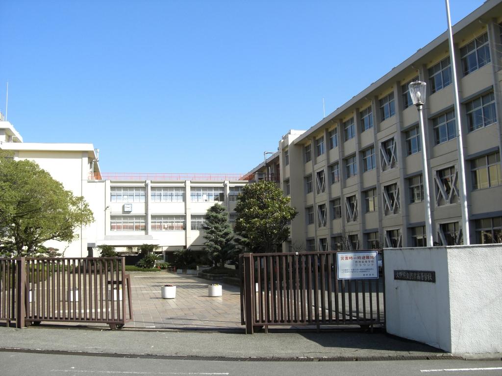 大阪府立摂津高校外観