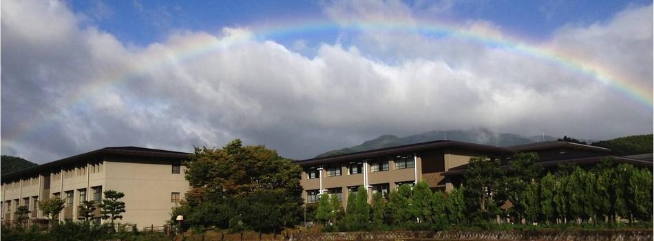 北嵯峨高校の外観