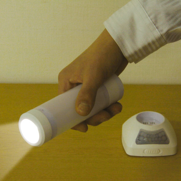 人感LEDセンサーライト(充電式)2