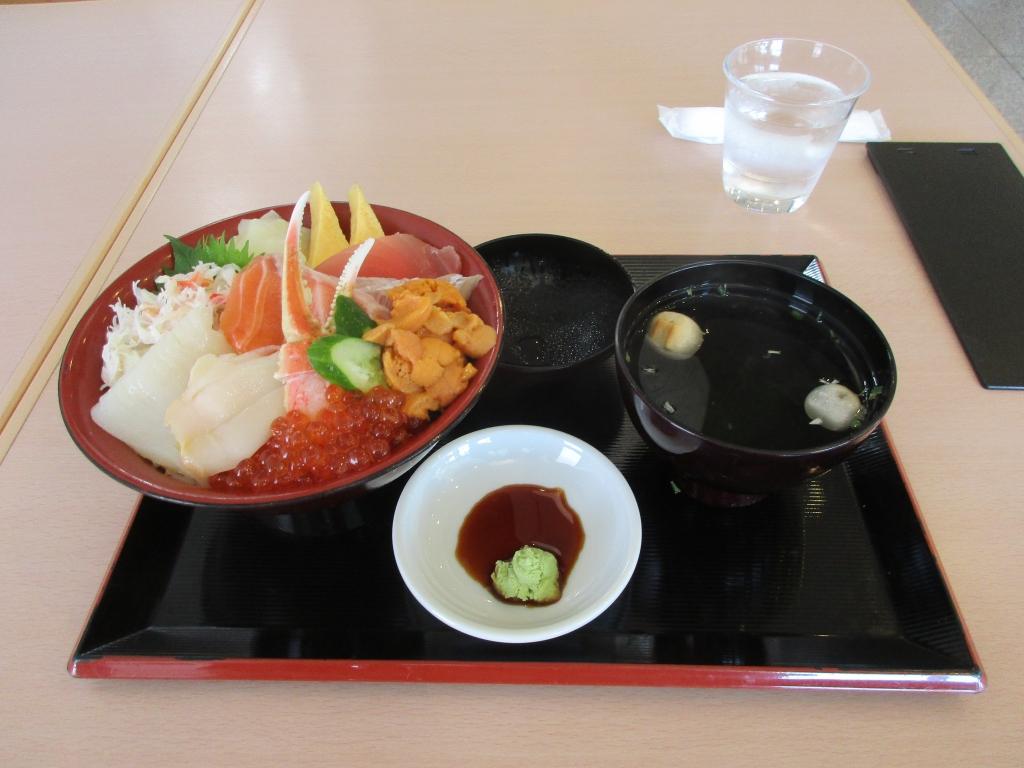特選海鮮丼4