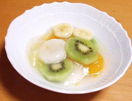 フルーツとろとろ寒天と白玉もち