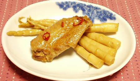 手羽中と細竹の煮物