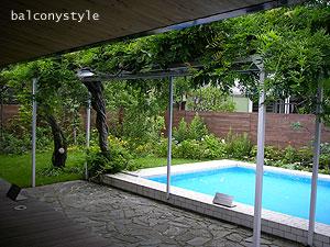 鎌倉らしいプール付きの庭