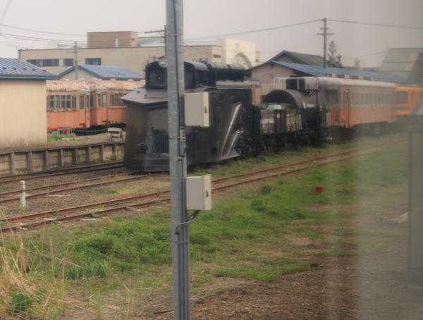 弘前駅にて