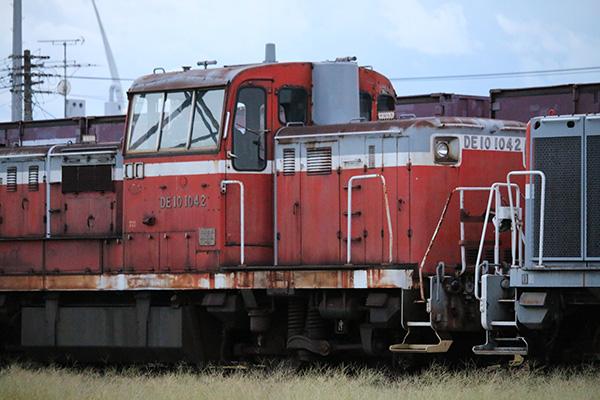 秋田港駅のDE10