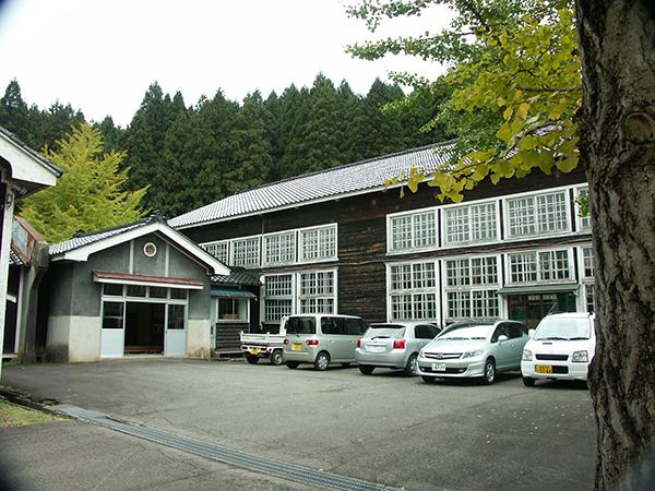 鮎川小学校