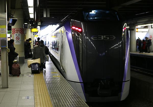 E353系