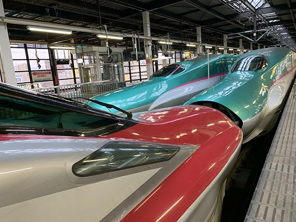 盛岡駅の新幹線