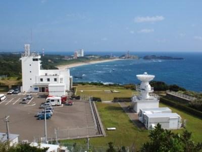 種子島灯台からロケット射場を見る