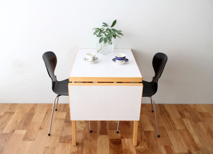 Artek table01.jpg