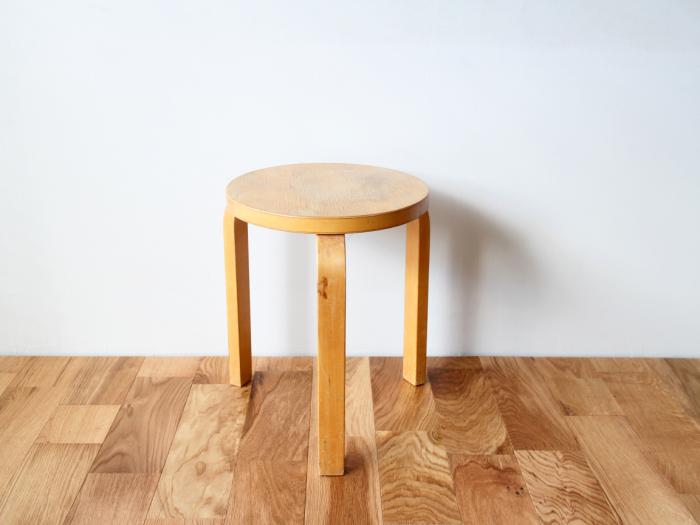 Artek-stool60-50sA01.jpg