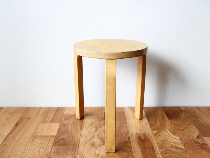 Artek-stool60-50sC01.jpg