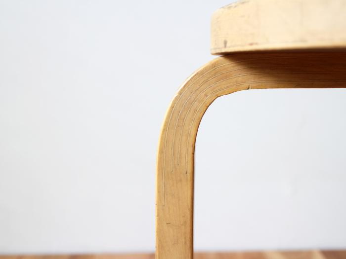 Artek-stool60-50sC04.jpg