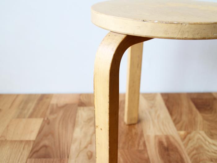 Artek-stool60-50sC05.jpg