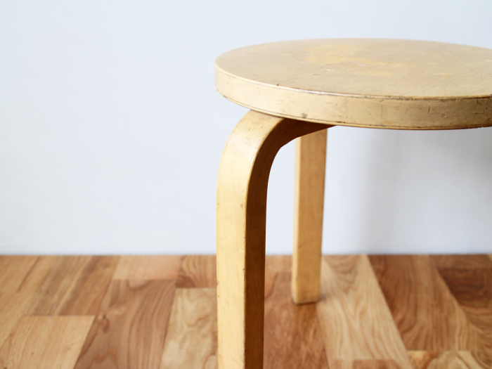 Artek-stool60-50sC06.jpg
