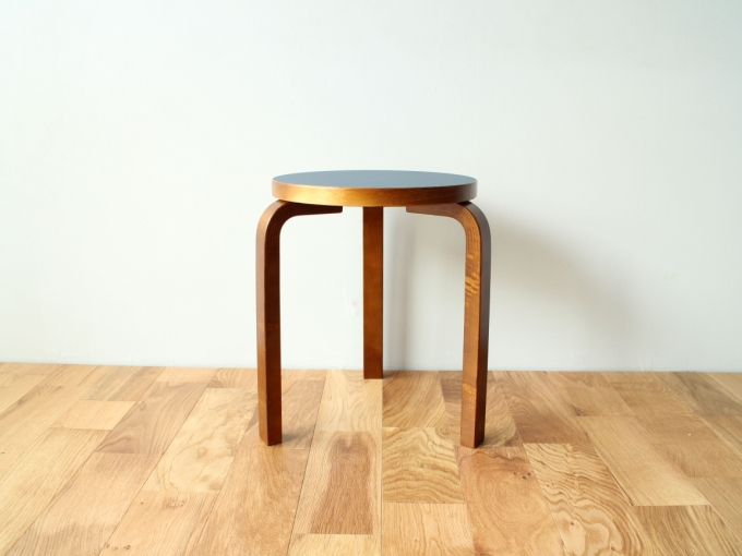 Artek-Stool60-WEdition-DB00.jpg