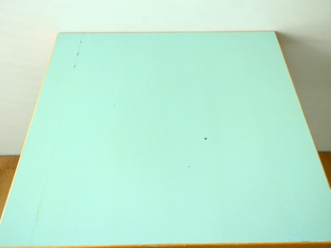 Artek-Table70s-Mintgreen03.jpg