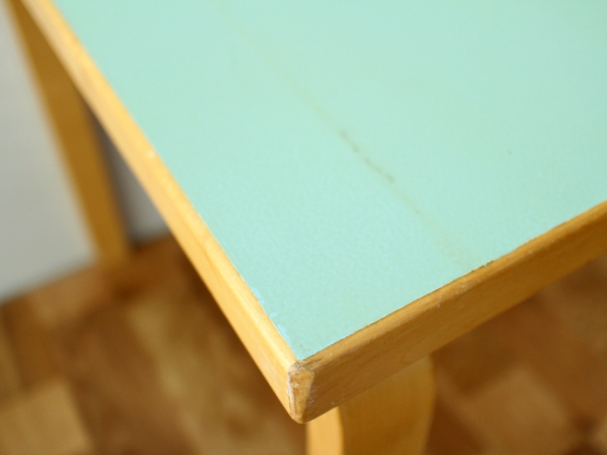 Artek-Table70s-Mintgreen04.jpg